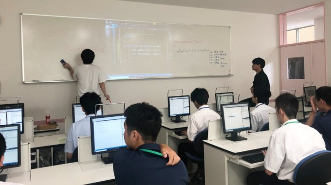 外語ビジネス専門学校様にて、高校生向けセミナーを開催しました!